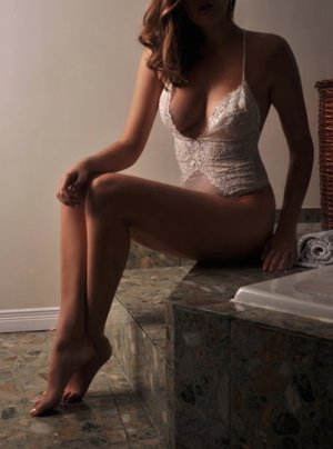 Melicia escort girl in Bull Run Virginia and erotic massage