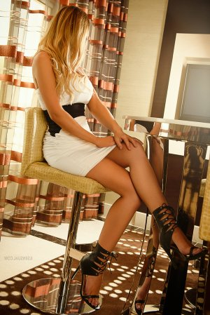 Kevina escort girls
