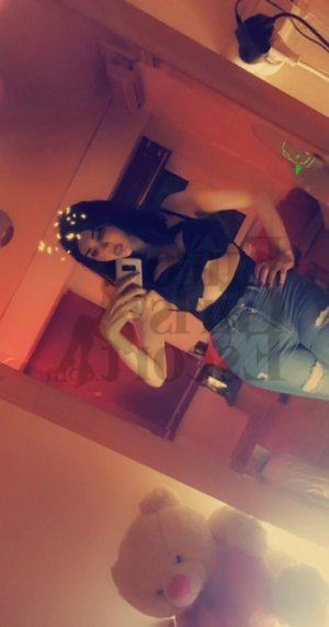 Audrenn erotic massage in Palm River-Clair Mel Florida and escort