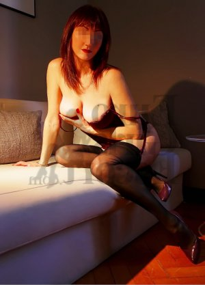 Perinne live escorts in Athens, nuru massage