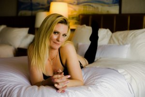 Leah erotic massage, escort